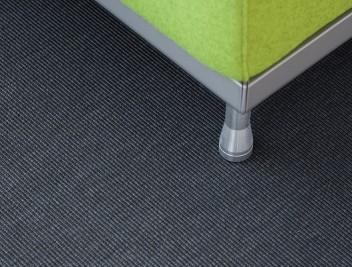 Geniet van het warme en comfortabele gevoel dat tapijt u geeft