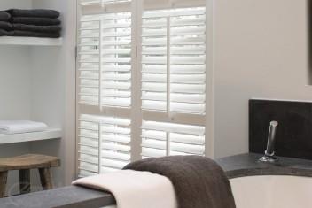 Kunststof Shutters Badkamer : Shutters raamdecoratie de sfeermaker voor uw woning